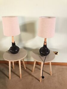 2x lamps and 2x tables