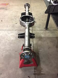 """NEW Ford 9"""" centred housing // Currie 31 spline axle"""