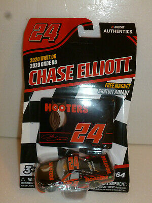 #24 CHASE ELLIOTT HOOTERS WAVE-06 CHEVY TRUCK 2020 LIONEL NASCAR AUTHENTICS 1/64