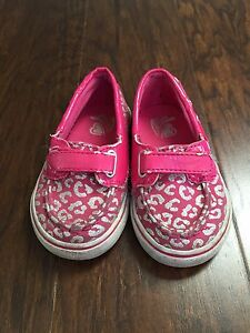Size 6 Children's Place Toddler Shoes