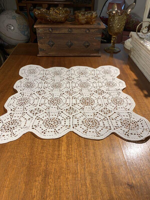 Antique 1910 Hand Crochet Linen Tea Cloth~Centerpiece~Thousands Of  Stitches