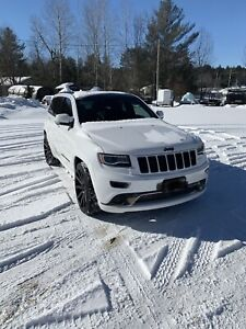 2016 Jeep Grand Cherokee- 10/10 condition