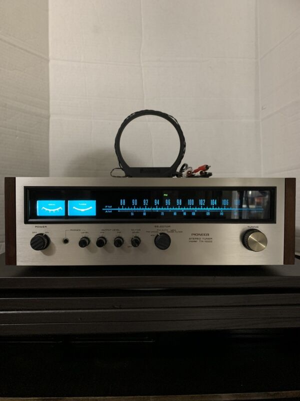 """Pioneer ® TX-1000 STEREO TUNER. """"Minty """""""