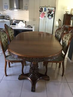 Edwardian style dining table with 4 chairs