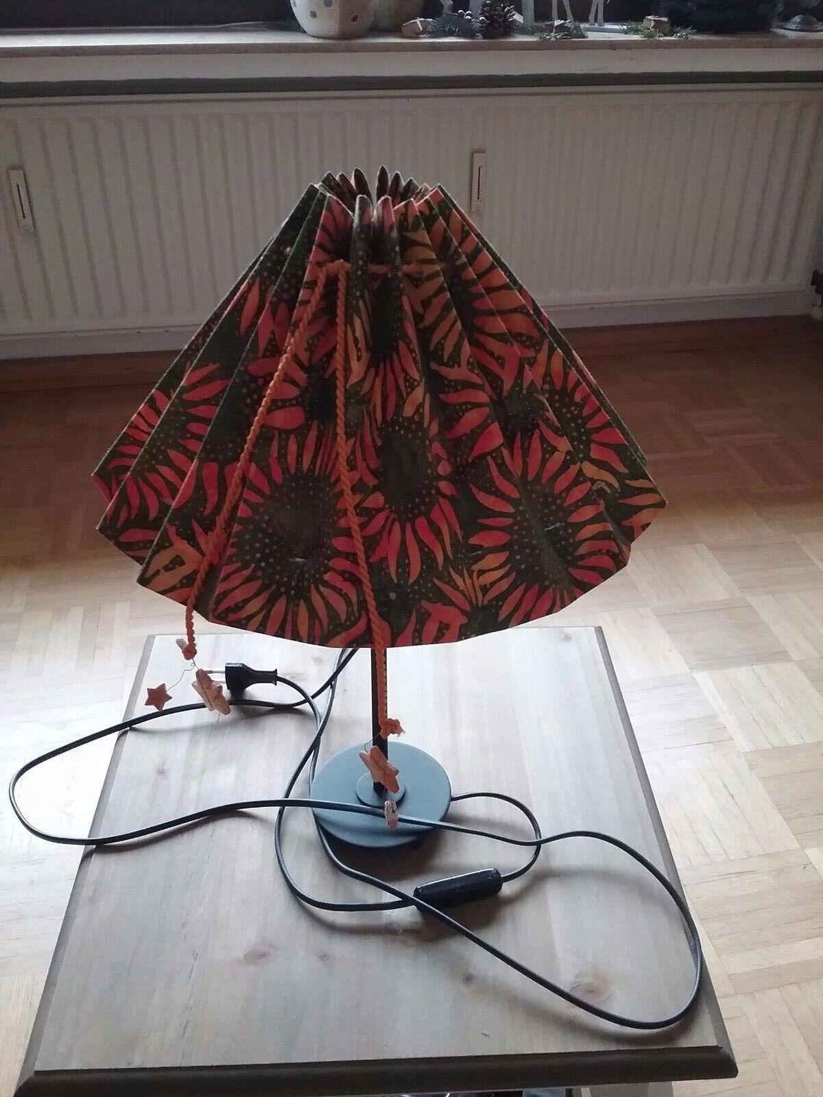 Vintage Tischlampe  Nachttischlampe im Landhausstil, handmade