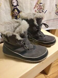 Sorel Women's Size 7.5 Boots Brand New