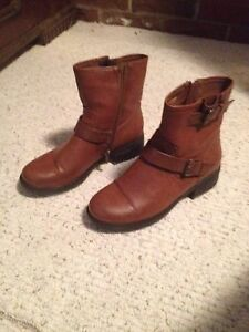 Girls size 5 faux leather boots