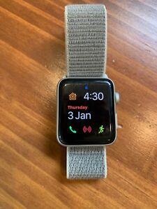 Apple Watch Series 3 Cellular 42mm Aluminium Silver