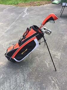 Dunlop right handed golf set