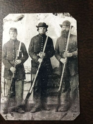 3 Civil War Military soldiers With Rifles tintype C211RP