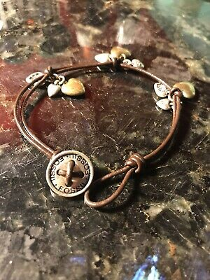 - Fossil Bracelet Leather hearts Button Closure