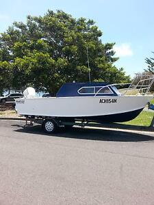 HARTLEY 5.8M CABIN CRUISER Warilla Shellharbour Area Preview