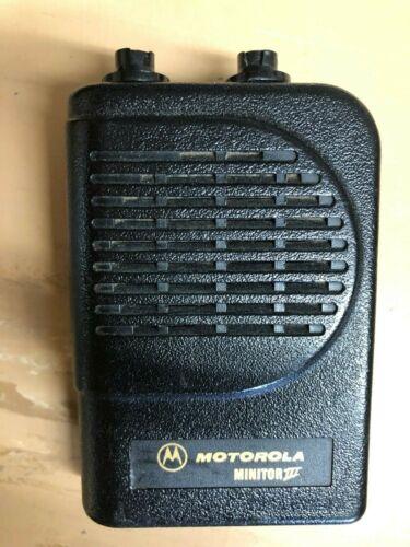 Minitor III, Motorola Minitor III, 143-174 MHz VHF Pager w/ Stand base, PS