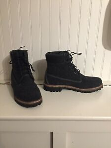 Timberland Men's Dark dark Grey Boots Size 9 BRAND NEW