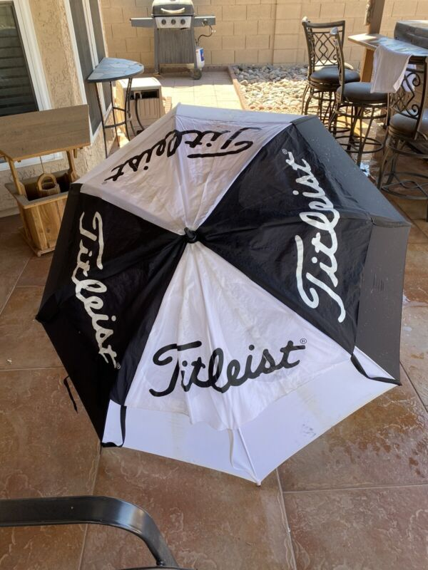 """Titleist Tour Issue Double Canopy GustBuster 68"""" Golf Umbrella"""
