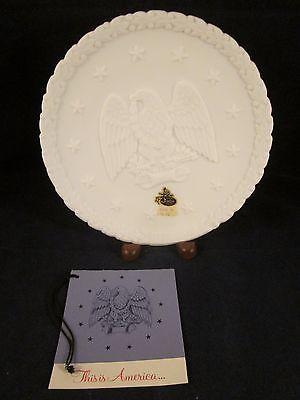 FENTON American Eagle White Plate 1776 1976 8.25