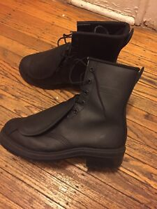 Brand new men's size 7 work boots