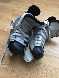Bauer skates - size 11 youth