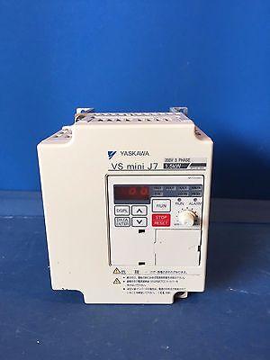 Yaskawa Vs Mini 7 Cimr- J7aa21p5 200-230v 11a 3phase 1.5kw Inverter