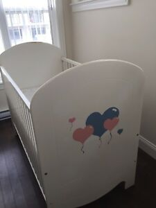 Crib for baby/ toddler bed with mattress