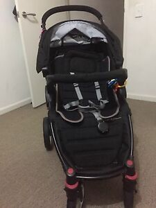 Near New Steelcraft Agile Pram - Priced to Sell!! Liverpool Liverpool Area Preview