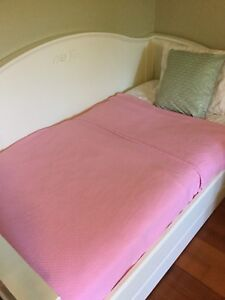 Pottery barn kids twin size pink blanket and decor pillow