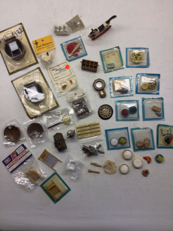 Vintage Mixed Lot Of Mostly Wooden Dollhouse Miniatures