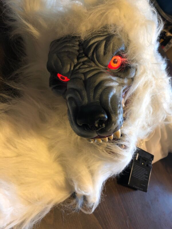 WEREWOLF RUG 70 INCHES HALLOWEEN Blue Eyes Howling Red Eyes