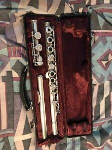 2 flutes for sale