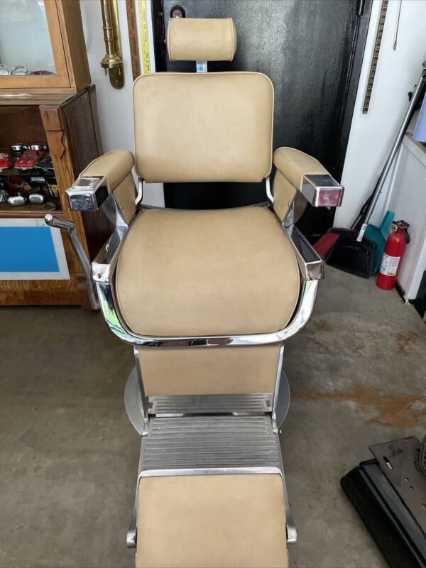 1950'S Belmont Hydraulic/Reclining Barber Chair