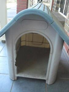 Plastic Dog Kennel Noarlunga Downs Morphett Vale Area Preview