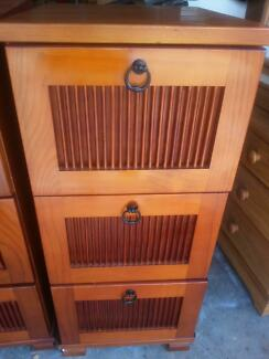 QUAITLY SOLID TIMBER FILING CABINET - HOME /OFFICE WITH 3 DRAWERS
