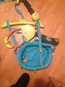 Jumperoo with musical mat