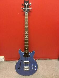 4 String Bass Lawnton Pine Rivers Area Preview