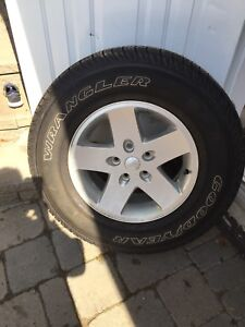 "Jeep Tire 17"" with rim"