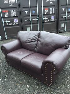 Free delivery: beautiful brown/maroon leather couch