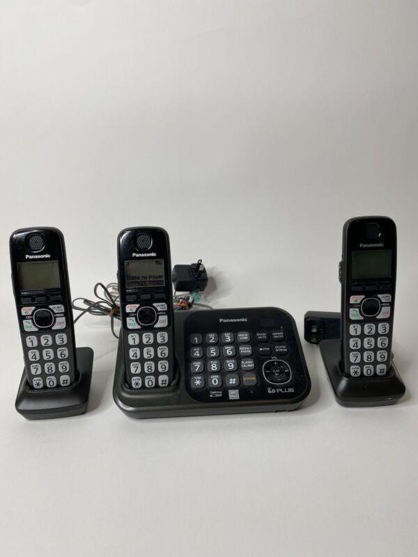 Panasonic Cordless Handset KX-TG4741 With 3 Phones - All work!