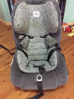 Convertible car seat Safe n Sound