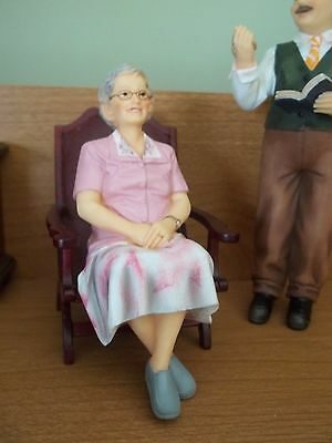 OLDER LADY - ROSE -  RESIN - DOLL HOUSE MINIATURE