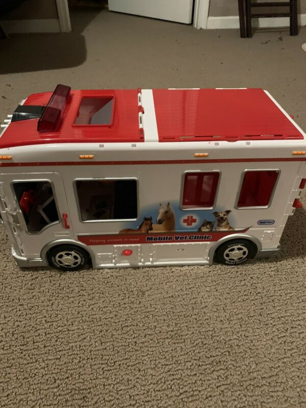 Breyer Mobile Vet Clinic Clinic White Horse RARE VETERINARY
