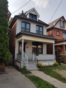 FABULOUS 3 BEDROOM HOME IN CENTRAL HAMILTON ON HOLTON AVE