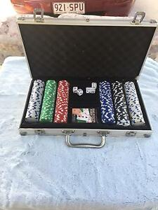 Professional Poker set in a Metal Case Collingwood Park Ipswich City Preview