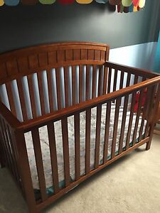 Convertible Crib (no mattress)