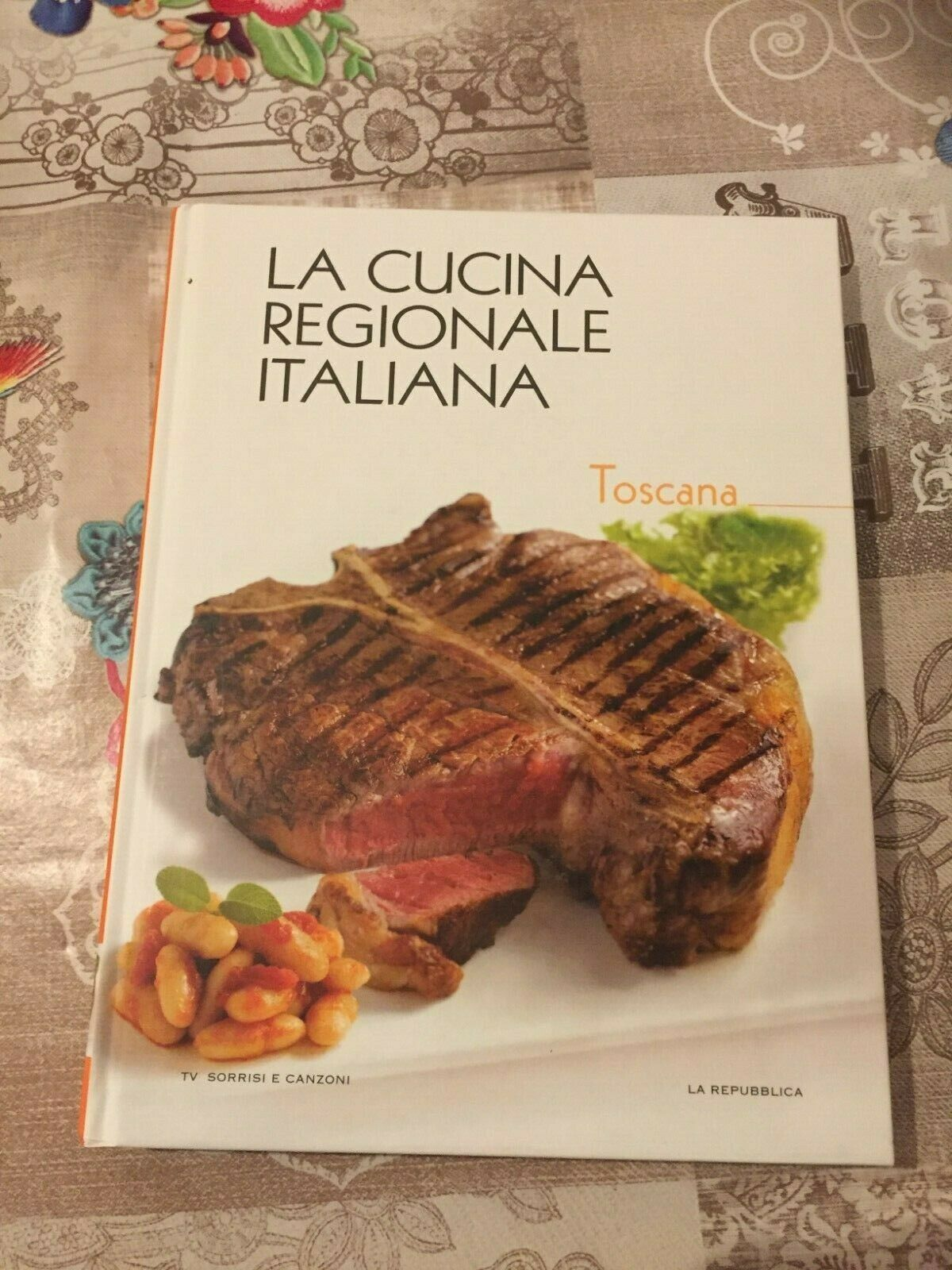 LA CUCINA REGIONALE ITALIANA LA TOSCANA vol 4 TV SORRISI E CANZONI LA REPUBBLICA