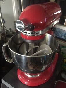 KitchenAid Artisan Series 325 watt Stand Mixer, Ferrari Red!