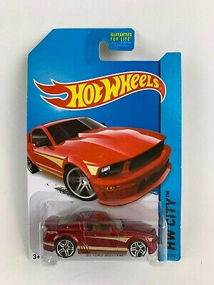 Hot Wheels 2007 Ford Mustang HW City
