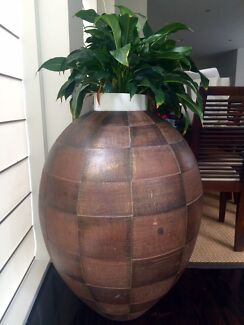 Huge large decorator pot - indoor or outdoor pot