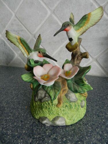 "Vintage 6.25"" porcelain Hummingbird Figurine Music Box -Plays ""Memories""  (chip)"