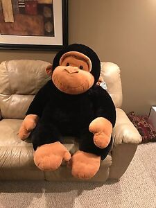 HUGE Stuffed Monkey/Gorilla!   New with Tags!