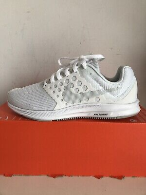 Woman's Nike Downshifter 7 Running Shoe Trainers Size 5 UK Triple White
